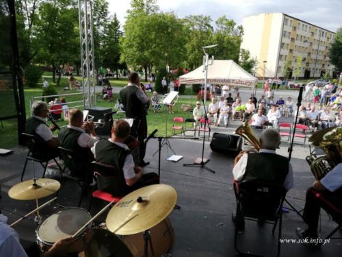 """Koncert Kapeli Estradowej """"Ziemia Staszowska"""" - 4 sierpnia"""